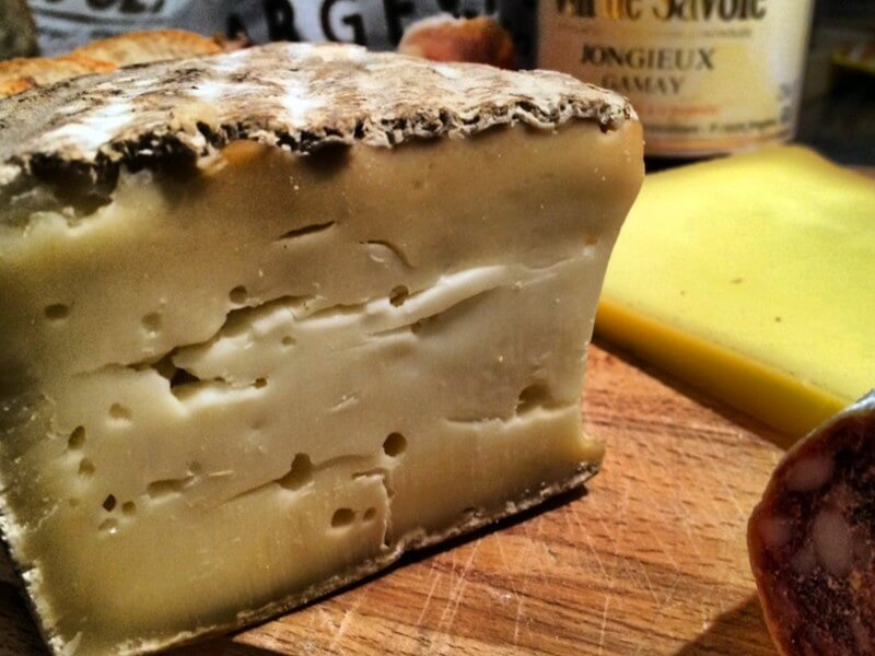 alps-cheese-tomme-de-savoir-credit-tasteofsavoie.wordpress.com-si