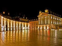 burgundy-dijon-place-liberation-night2-sb